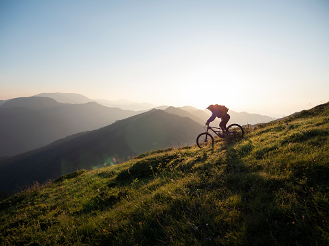 Are hybrid bikes good for trails?