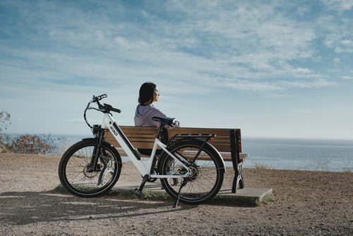 Best Electric Bikes Under 500 Pounds? (October 2021)